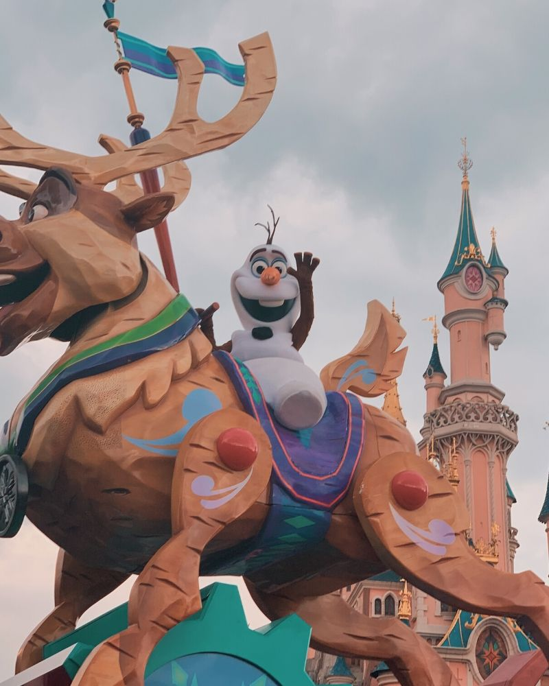 Disney Stars on Parade – Disneyland Paris- Olaf