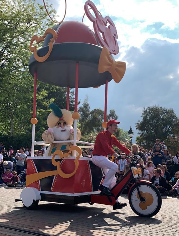 Personaggio Speciale Parata Disneyland Paris