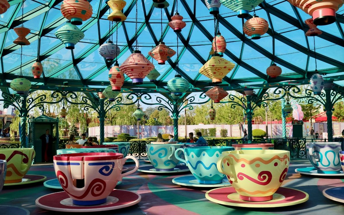 minnie mouse main attraction mad tea party