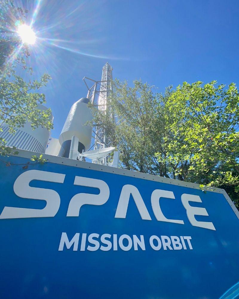 space mission orbit movieland park