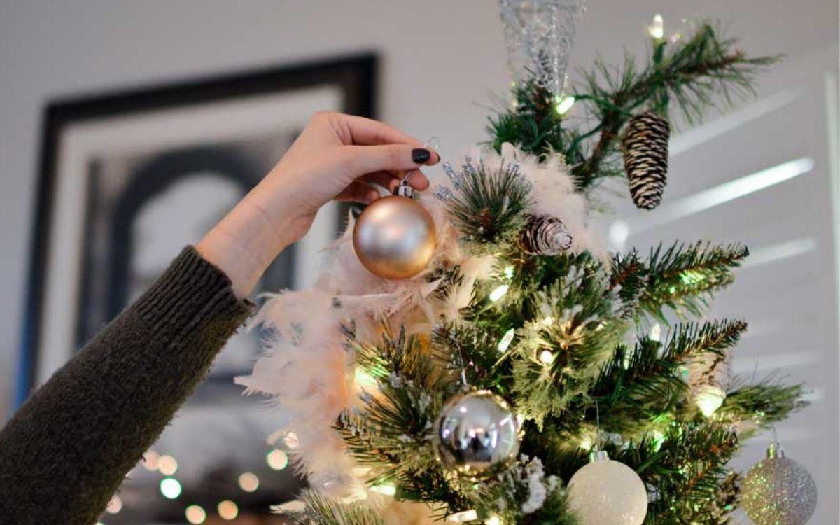 Decorare albero Natale